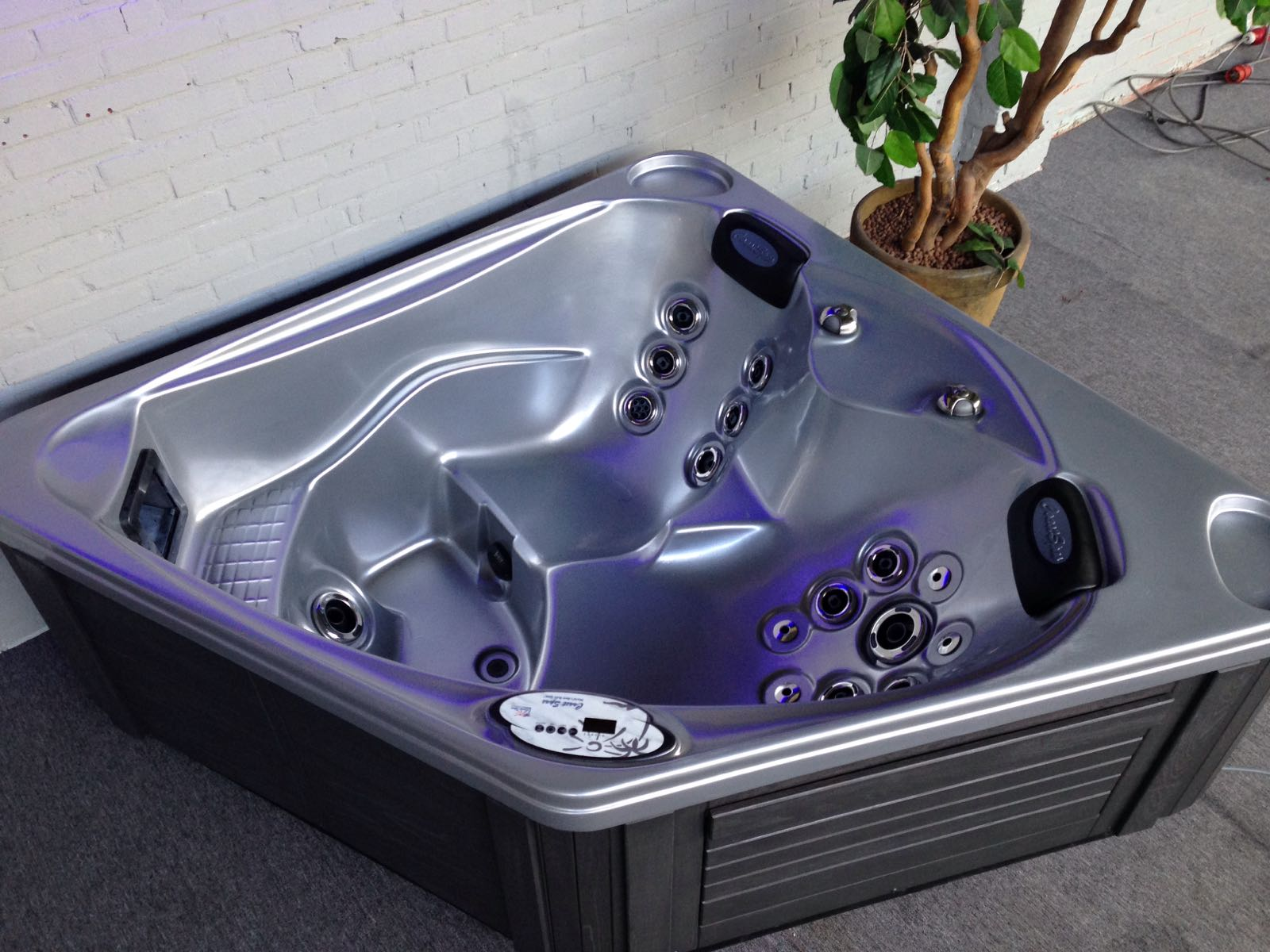 Coast Spa's Diamond 3 zitter met twee ligplaatsen VOL USA2